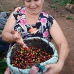 Doña Juana, una de las mujeres que abren un camino con su café